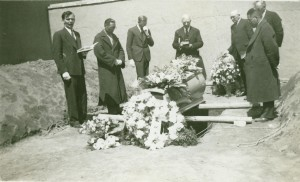 Funeral of C. C. Crisler. At Brother Crislers grave. At Brother Crisler's Grave Left to Right: Harold Schultz, Chinese Worker, Brother Davies, treas. of NW Union, Doctor H. W. Miller, O. A. Hall, Pastor Appel-Supt. of NW Union, Chinese Worker